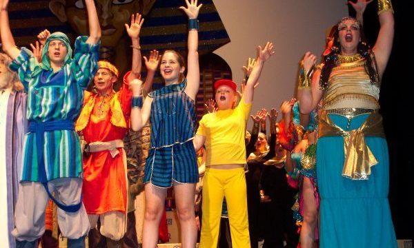 Joseph's Technicolour Dreamcoat cast, 2005 Australia
