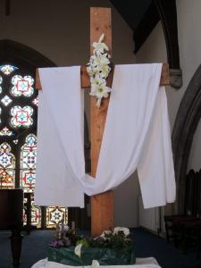 Easter cross, Salisbury URC -- Ana Gobledale